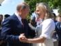 O Πούτιν χορεύει στο γάμο της Αυστριακής ΥΠΕΞ !